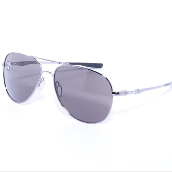 badfb720a2f Oakley ELMONT M Silver 58mm AVIATOR Grey lens